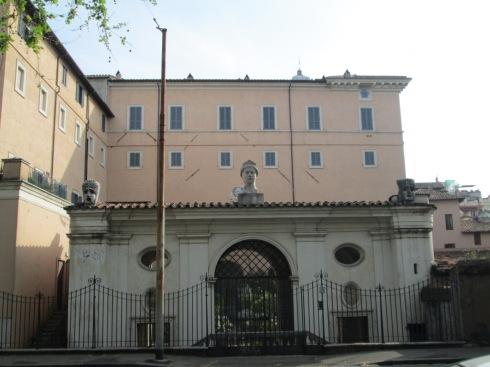 Palazzo Sacchetti, seen from Lungotevere dei Sangallo